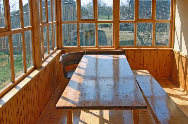 veranda svoimi rukami